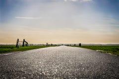 Flach, niederländisch, Landstraße lizenzfreies stockbild