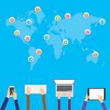 Flache Designillustration, Internet-Einkaufen, E-Commerce Social Media-Netze und Kommunikationskonzept vektor abbildung