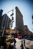 Flache Eisengebäudefassade New York lizenzfreie stockfotografie