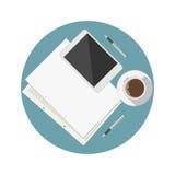 Flache Ikone für Bloggerarbeitstabelle Lizenzfreie Stockfotos