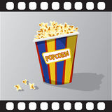 Flache Illustration des Popcorns Stockbild