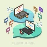 Flache isometrische Konzeptillustration des Social Media 3d Stockfotografie