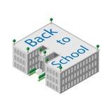 Flache isometrische Schule oder Universität des Gebäudes 3d mit einer Uhr und einer offenen Tür sowie mit grünen Bäumen Lizenzfreie Stockfotos