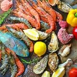 Flache Lage Meeresfrüchte von einer Mittelmeerküche lizenzfreie stockbilder