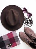 Flache Lage mit Frau ` s Herbsttasche, Glashut Lizenzfreies Stockbild