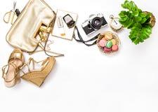 Flache Lagesocial media-Mode Bloggers Tasche beschuht Weinlesefoto Lizenzfreie Stockbilder