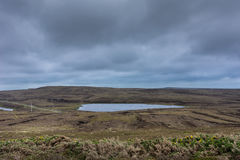 Flache Landschaft auf der Rückseite des Dunnet-Kopfleuchtturmes Stockfotos