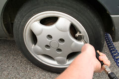 Flache Reifenpumpenluft Stockbild