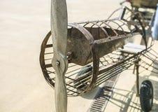 Flache Replik gemacht vom alten Eisen lizenzfreie stockfotos