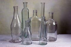 Flacher DOF, Fokus auf zentralen Flaschen Stockfotos