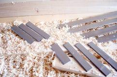Flachere Messer hergestellt in Höhenflossenstations- und Chromstahl Präzisionswerkzeuge für Holzbearbeitungsindustrie lizenzfreies stockbild