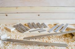 Flachere Messer hergestellt in Höhenflossenstations- und Chromstahl Präzisionswerkzeuge für Holzbearbeitungsindustrie lizenzfreie stockfotografie
