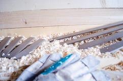 Flachere Messer hergestellt in Höhenflossenstations- und Chromstahl Präzisionswerkzeuge für Holzbearbeitungsindustrie stockfoto