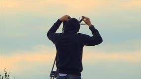 Flaches Aufklärer-Schießen-Landungs-Flugzeug stock video footage