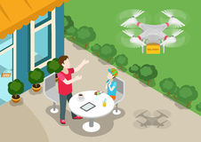 Flaches Netz 3d des Brummen quadcopter Lieferungs-Konzeptes isometrisch Lizenzfreie Stockfotografie