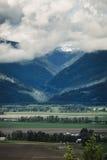 Flachländer und Berge Stockbild