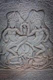 Flachrelief in Banteay Srei, Kambodscha stockbilder