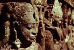 Flachreliefs gestalten in Angkor Thom, UNESCO-Welterbe, Si Stockbild