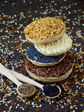 Flachs, indischer Sesam, Kümmel und Mohn Stockfotos