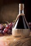 Flacon de vin Photographie stock libre de droits