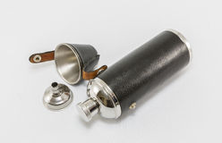 Flacon en cuir et en acier de cognac Images libres de droits