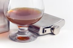 Flacon pour le cognac et le whiskey de l'acier inoxydable Images libres de droits
