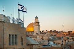 flag Израиль Купол утеса в старом городе Иерусалима, Израиля Стоковые Изображения RF