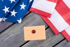 Flaga amerykańskiej i rzemiosła koperta Zdjęcie Royalty Free