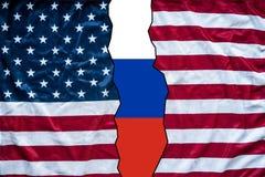 Flaga amerykańskiej otwarcie pokazywać Russia flaga Obrazy Royalty Free