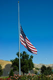 flaga amerykańskiej połówki maszt Fotografia Royalty Free