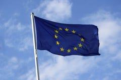 Flaga Europe z kolorem żółtym gra główna rolę na błękitnym tle Zdjęcie Stock