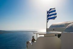 Flaga Grecja w Jeden Świetnym dniu Obraz Stock