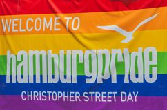 Flaga homoseksualnej dumy ruch malował na ściana z cegieł obrazy stock