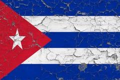Flaga Kuba malowa? na krakingowym brudzi ?cian? Obywatela wz?r na rocznika stylu powierzchni zdjęcie stock