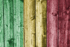 Flaga Mali na wietrzejącym drewnie Zdjęcia Royalty Free