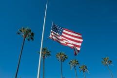 Flaga obniżająca maszt Zdjęcie Royalty Free