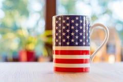 Flaga Stany Zjednoczone Ameryka na kubka zakończeniu up i blurr Fotografia Royalty Free