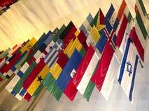 Flaga wszystkie narody przy John F Kennedy sztukami Centre w washington dc usa Zdjęcie Stock