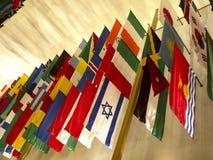 Flaga wszystkie narody przy John F Kennedy sztukami Centre w washington dc usa Fotografia Royalty Free