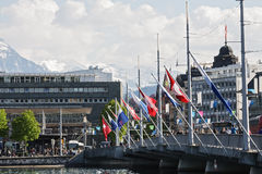 Flaga załatwiać most Zdjęcia Royalty Free