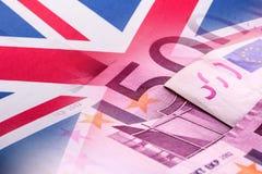 Flaga Zlany królestwo euro banknoty i zdjęcie stock