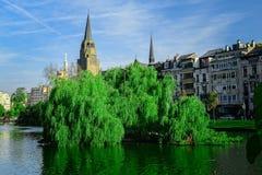 Flagey,伊克塞尔在10月筑成池塘在布鲁塞尔,比利时 库存照片