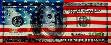 Flagga av Amerika på bakgrunden av 100 dollar Royaltyfria Bilder