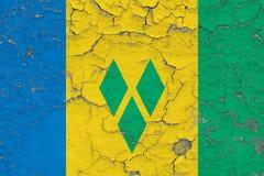 Flagga av helgonet Vincent And The Grenadines som målas på den spruckna smutsiga väggen Nationell modell p? tappningstilyttersida vektor illustrationer
