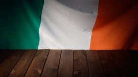 Flagga av Irland med träbräden Royaltyfria Bilder