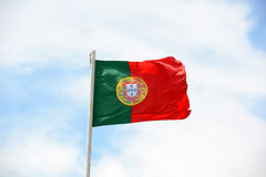 Flagga av Portugal i vinden Royaltyfri Fotografi
