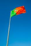 Flagga av Portugal i vinden, Lissabon, Portugal Arkivbilder