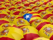 Flagga av Spanien och Catalonia på paraplyet Royaltyfria Foton