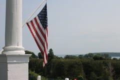 Flagga för storslagen hotellMackinac ö - USA Fotografering för Bildbyråer