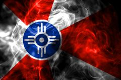 Flagga för Wichita stadsrök, Kansas tillstånd, Amerikas förenta stater fotografering för bildbyråer